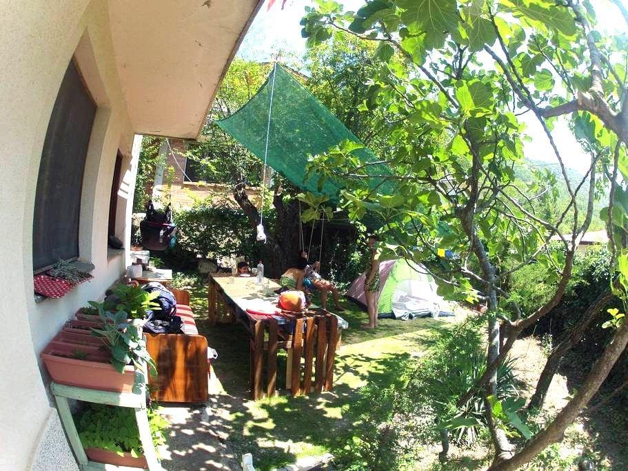 Tent space in the green garden - Lagadin