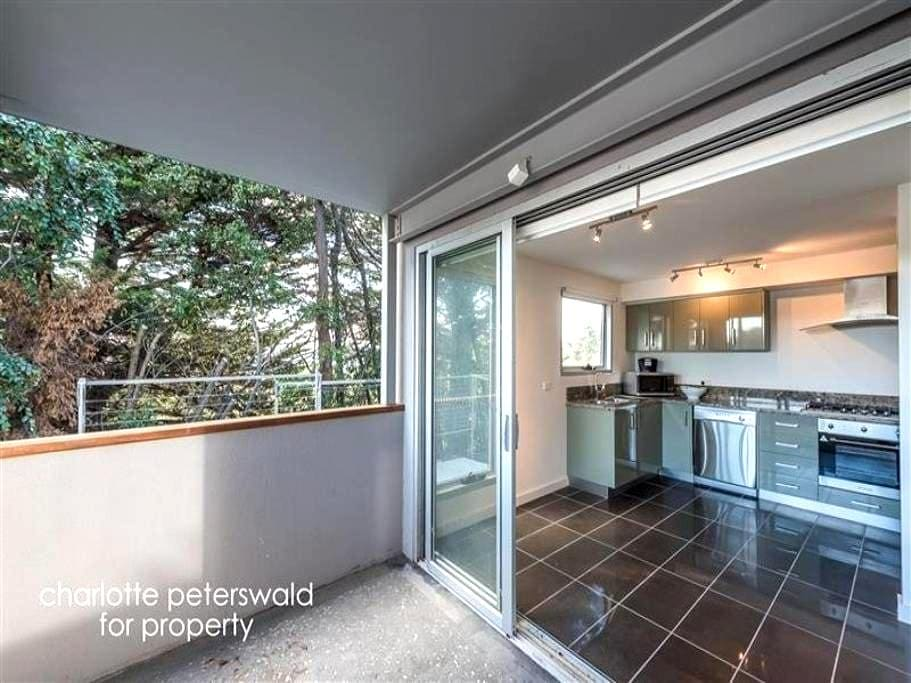 Executive Apartment great location - Sandy Bay