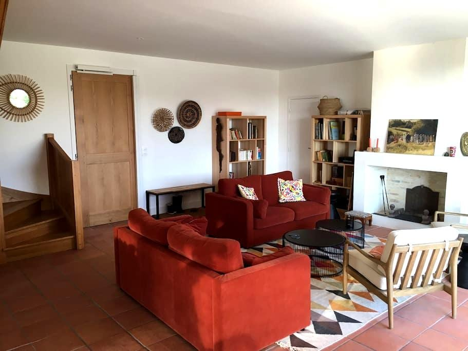 FAMILY HOUSE IN MONTRESOR VILLAGE - Indre-et-Loire - Huis