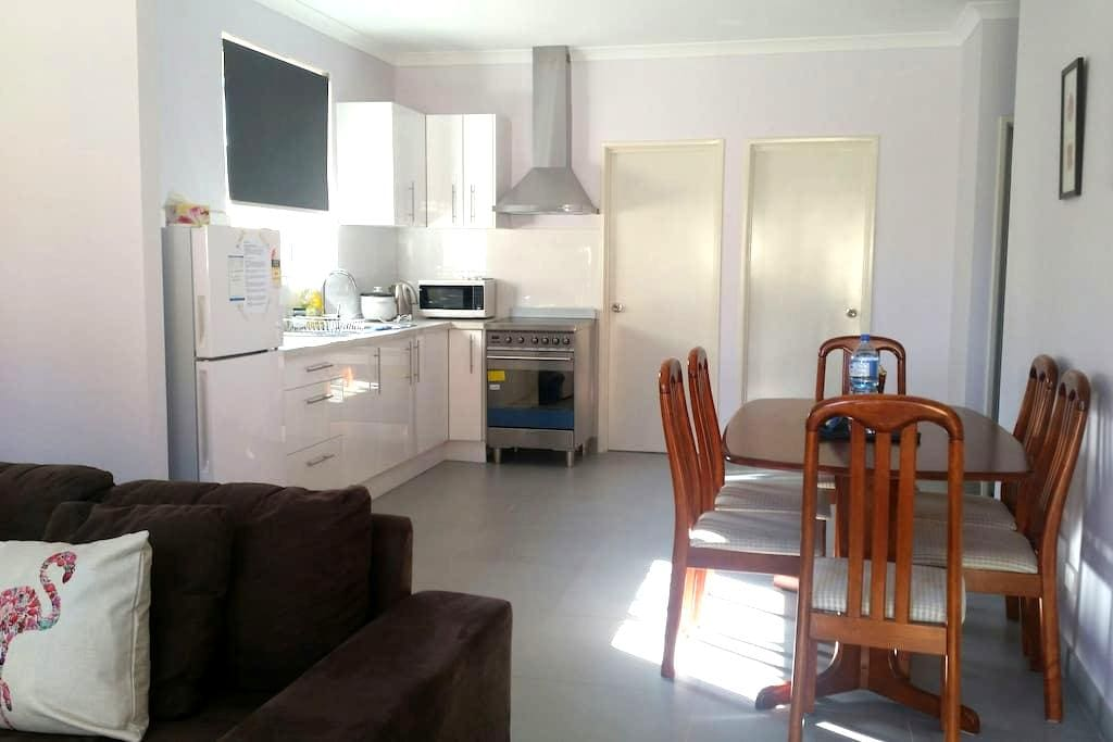 Curtin Cozy Fully Equipped Unit - Wilson - Villa