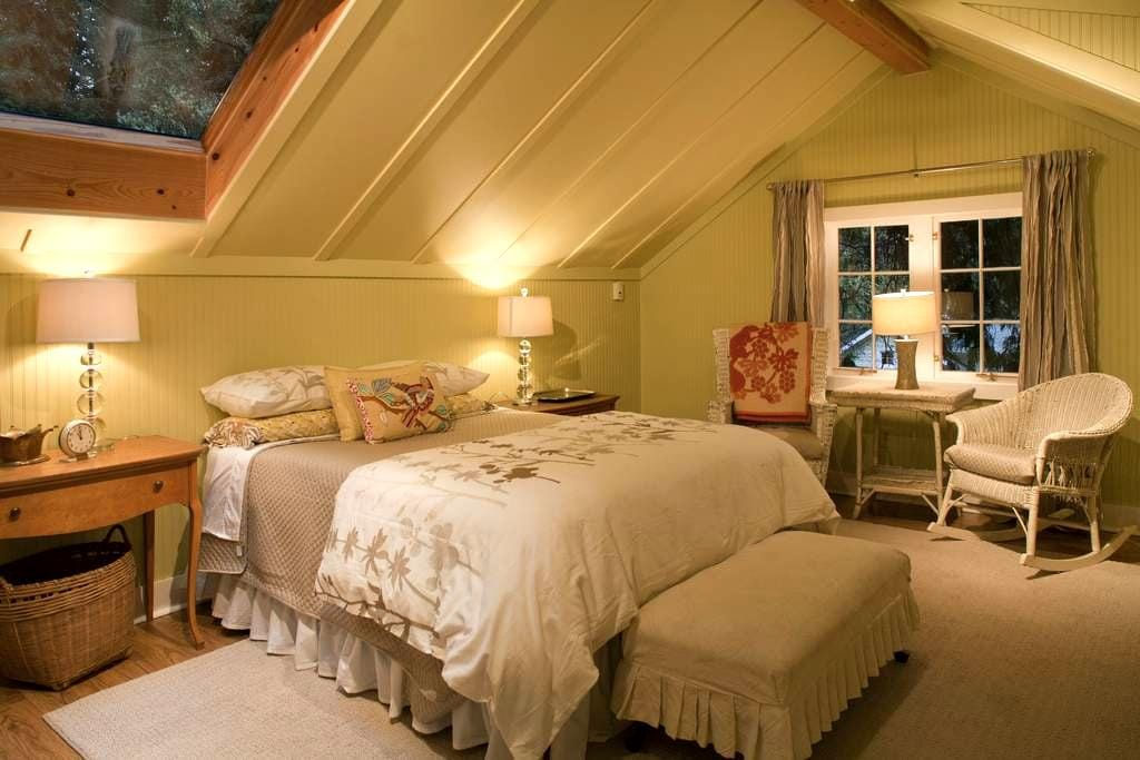 Fletcher Bay Garden Retreat  - Bainbridge Island - Loft