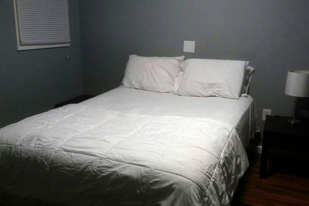 Big room BR4 Free street parking - Philadelphia - Huis