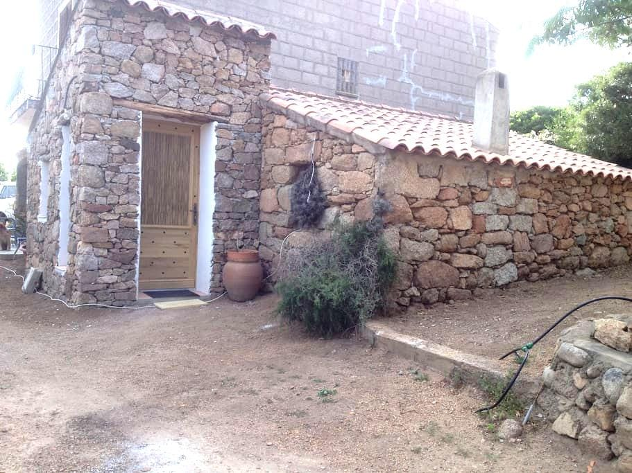 The caseddu of Chjarastella - Figari - Casa