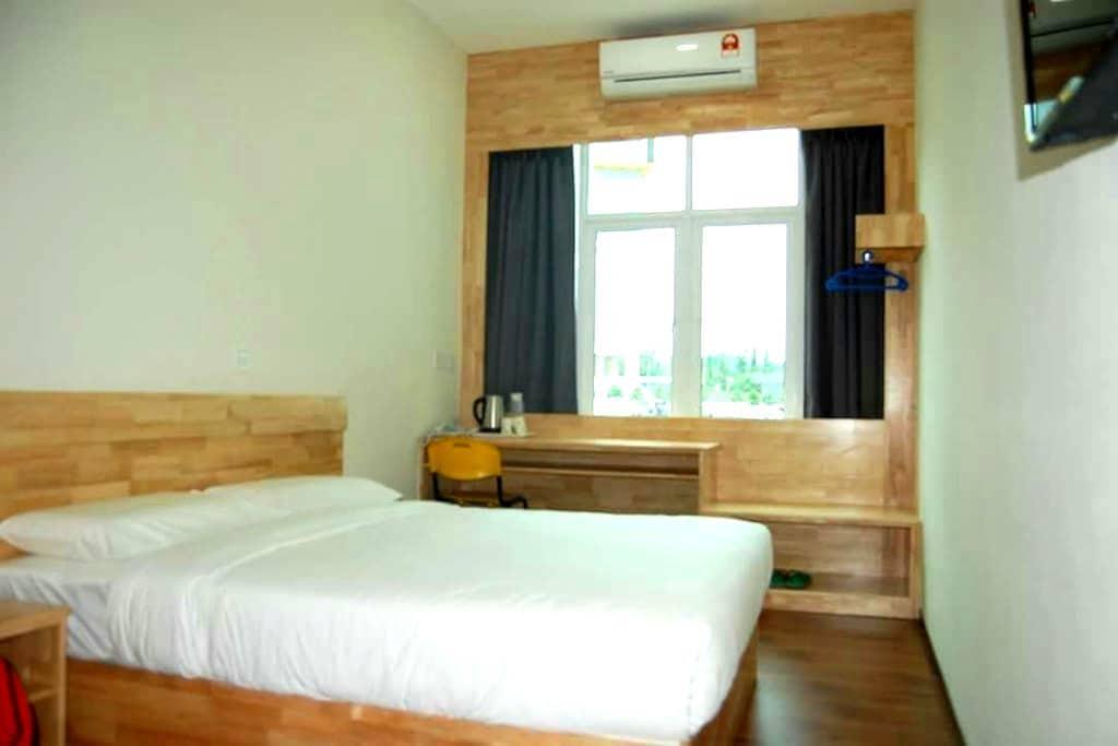 MH Unilodge Studio Homestay R2 - Taman Kampar Siswa,  - Appartement