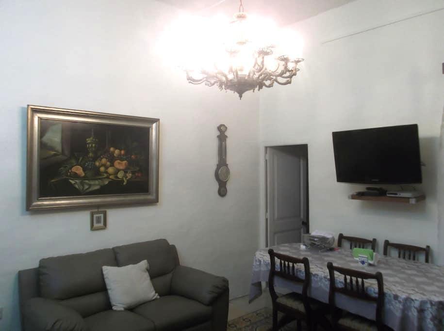 Attractive twin room in Gzira - Gzira - Huis