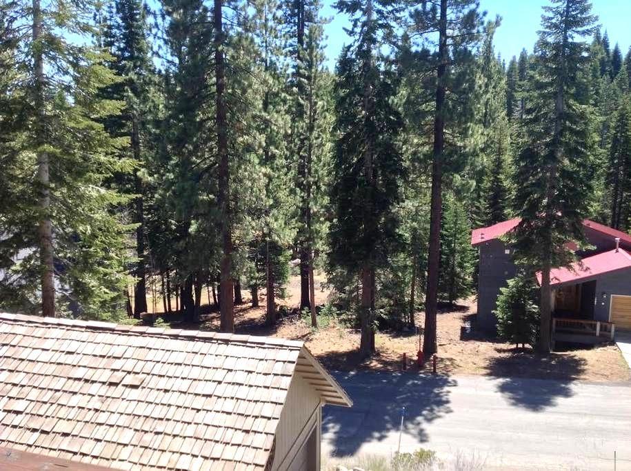 Jay's Retreat - Tahoe Vista - Hus