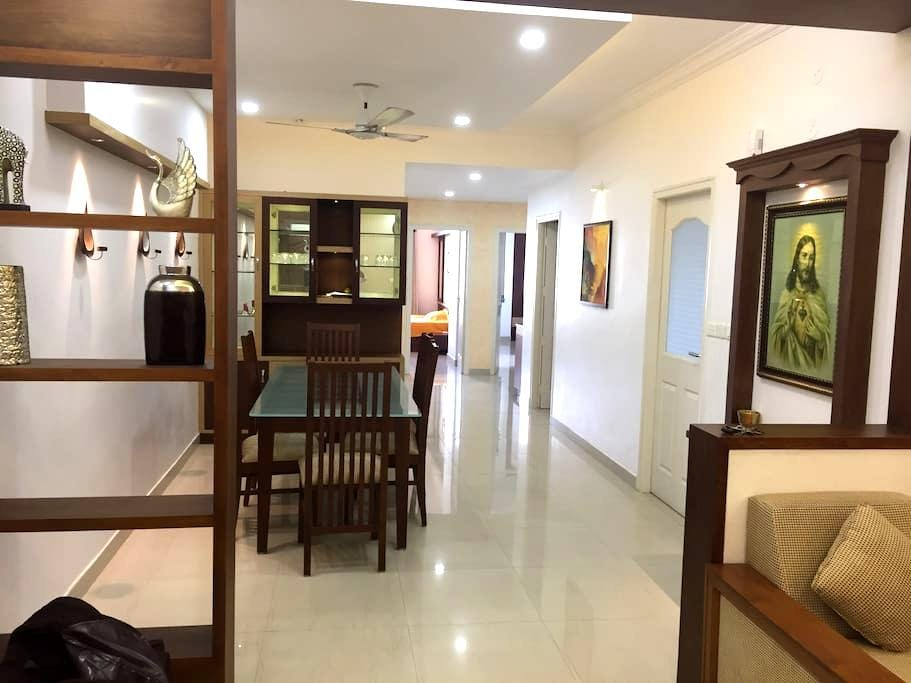 FULLY FURNISHED/3AC ROOMS APARTMENT - Kochi - Apartment