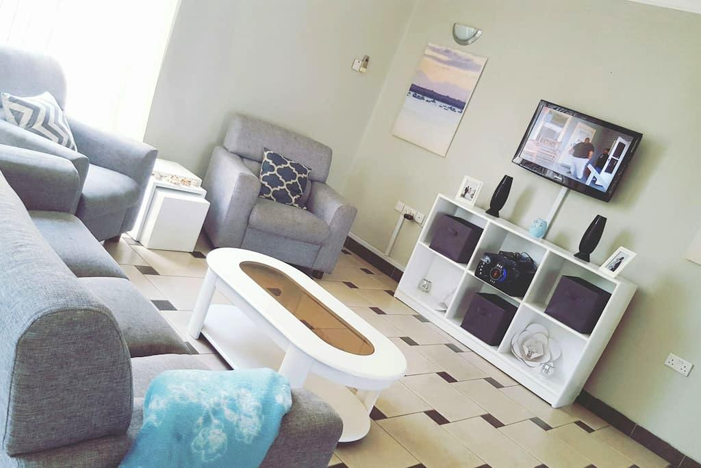 Amazing Room in Well Equipped House - Dar es-Salam - Departamento
