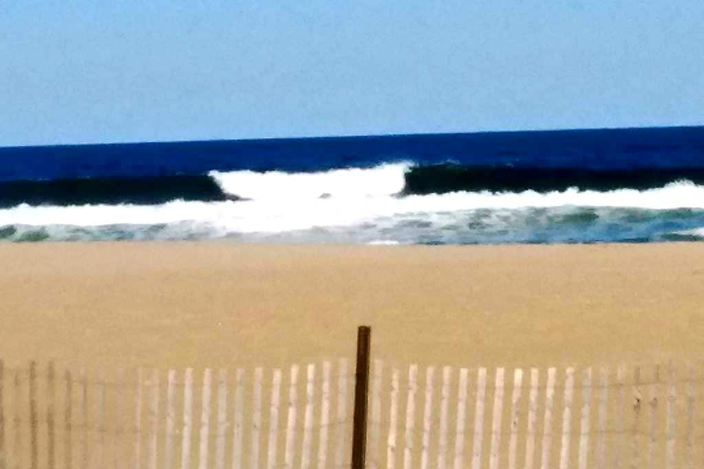Asbury Park Beach (2 blocks from beach) - Asbury Park - Apartment