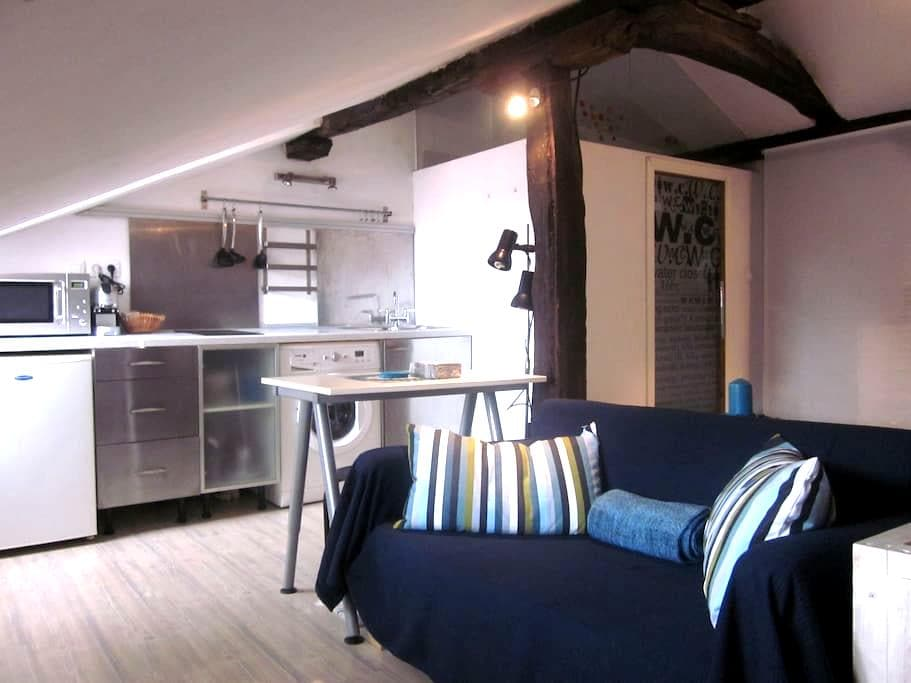 Cozy loft in Old Town - Bilbao
