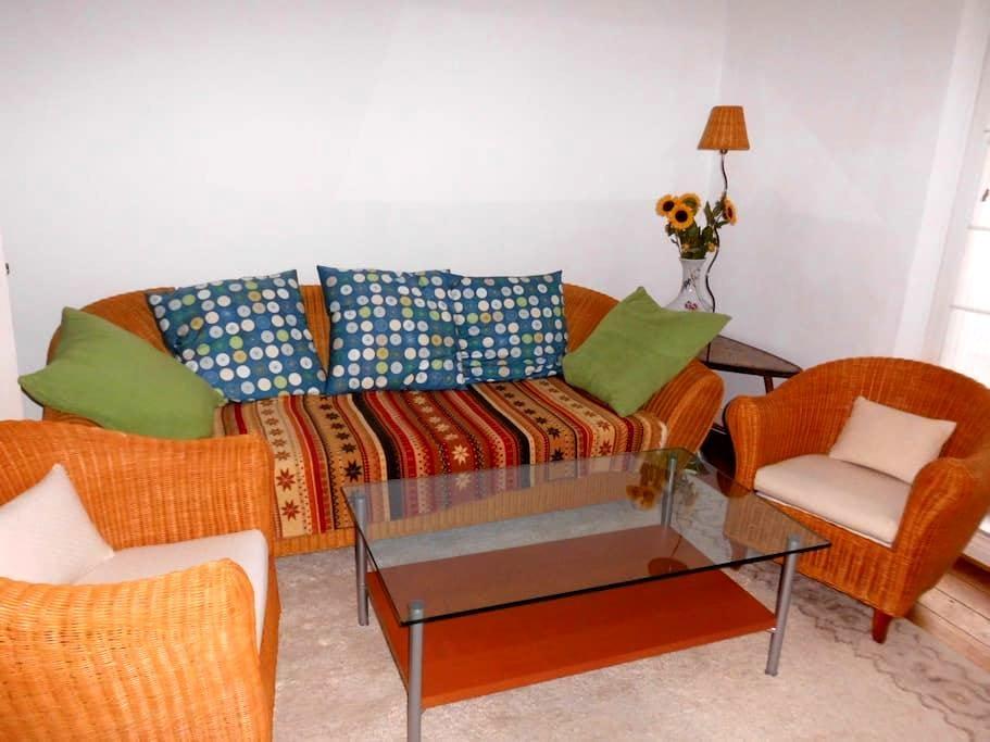 2,5 Zimmer, ruhig, zentral, elbnah - Wedel - Apartment