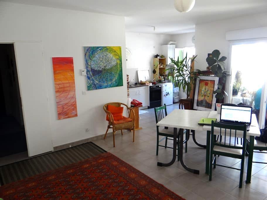 Chambre centre historique Crest - Crest - Wohnung