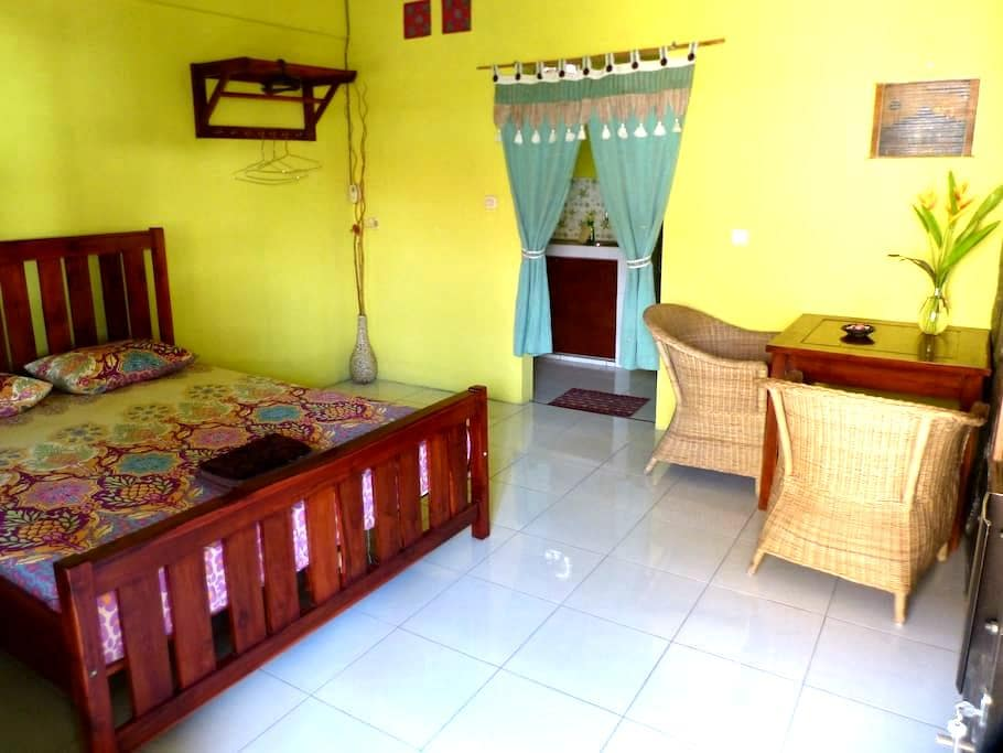 Best Value Room Griya Hijau Guest House Solo - Colomadu - Дом