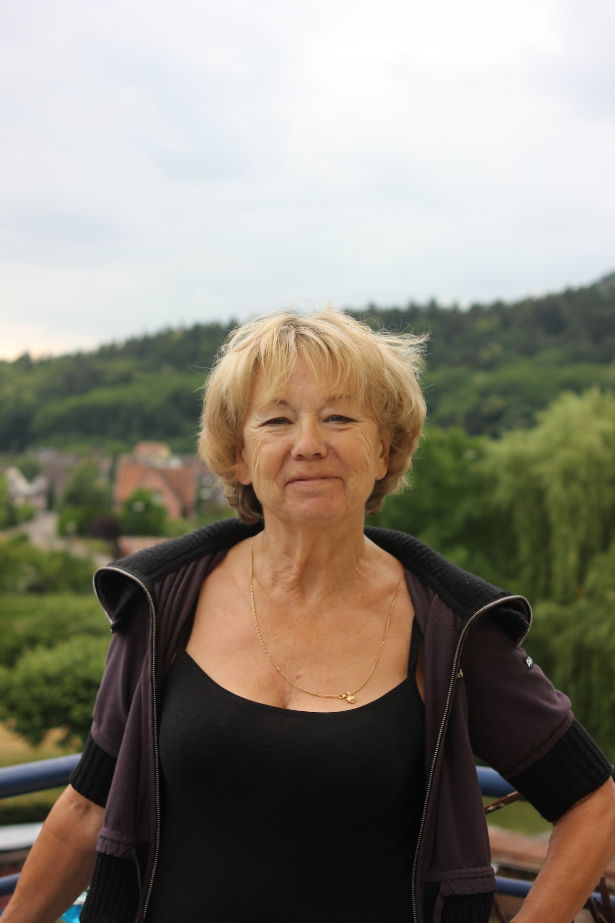 Liliane from Dossenheim-sur-Zinsel