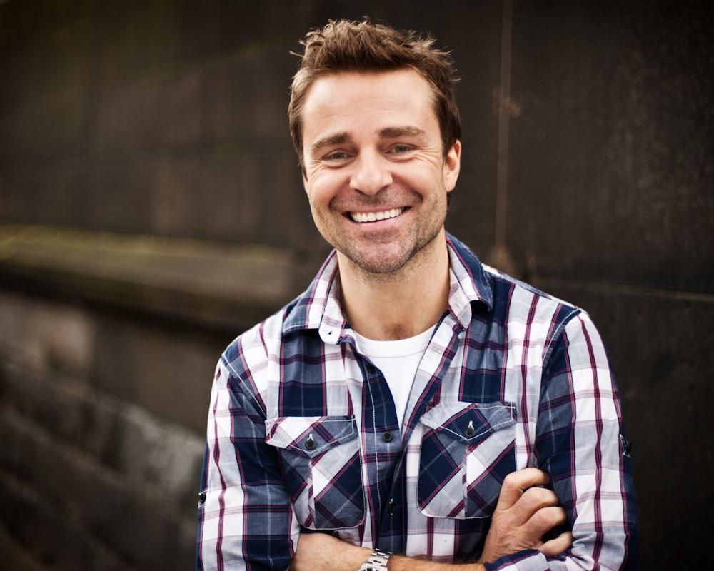 I am a singer, actor from Melbourne Australia. I h