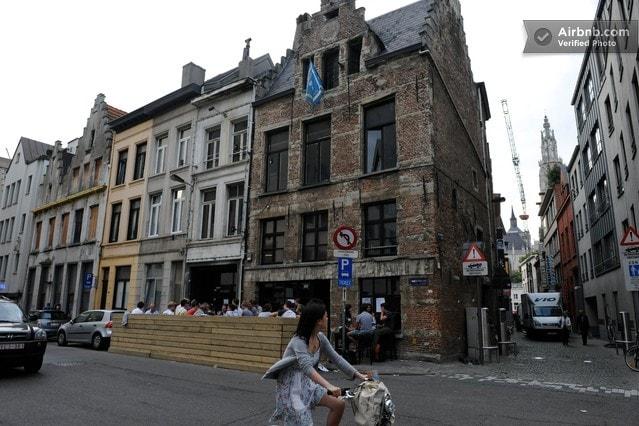 Marivi from Antwerp