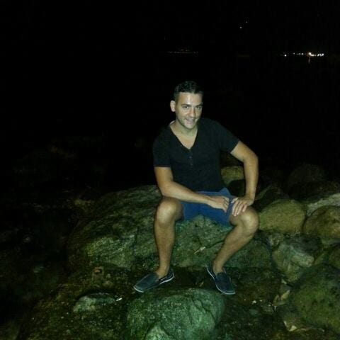 Italian guy, friendly, into practicing sport and t