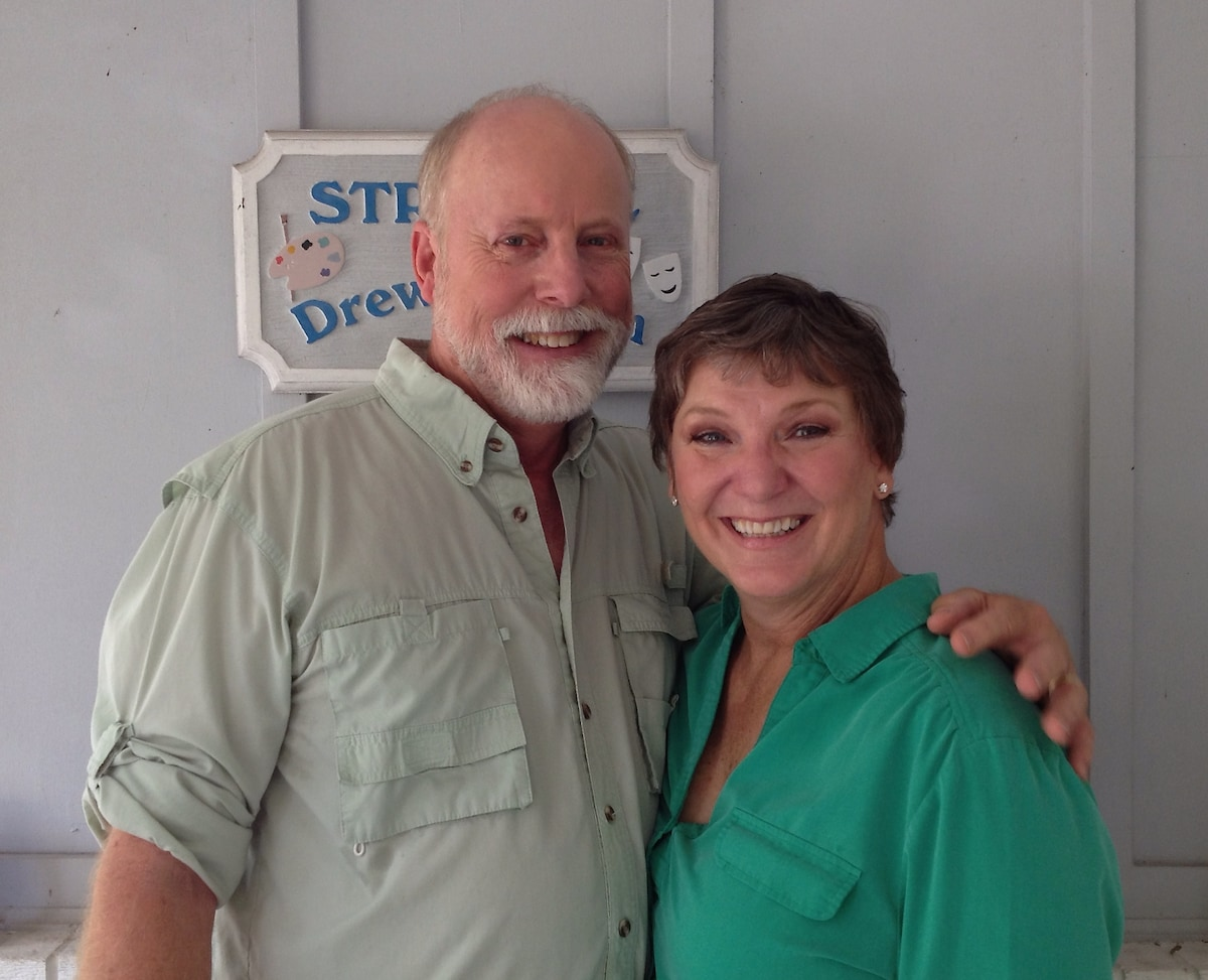 Hi! We're Drew and Kim Crow Strouble. Welcome to o