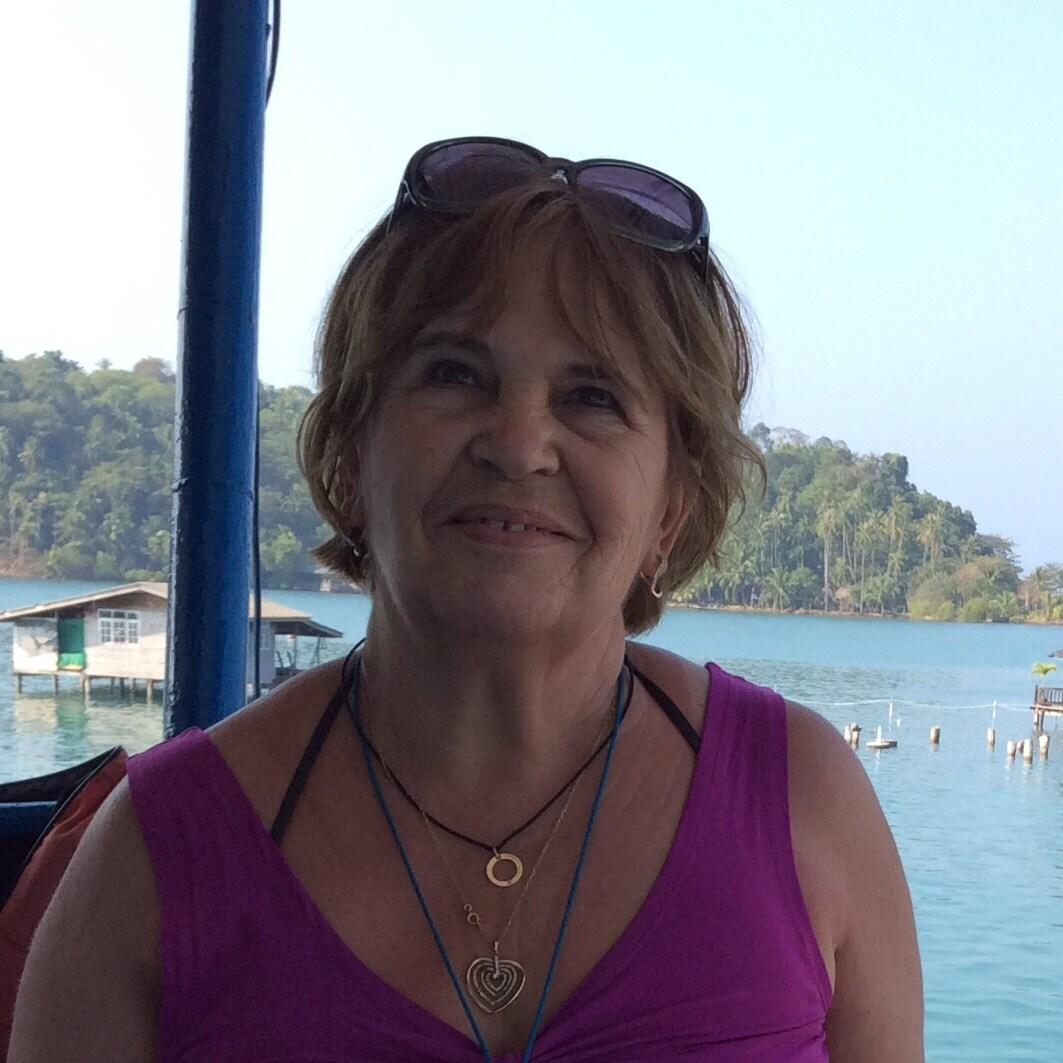 Simone From Sarrians, France