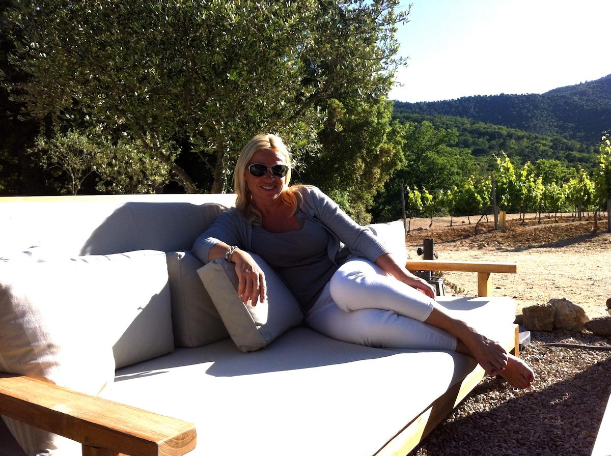 Julie Anne from Saint-Tropez