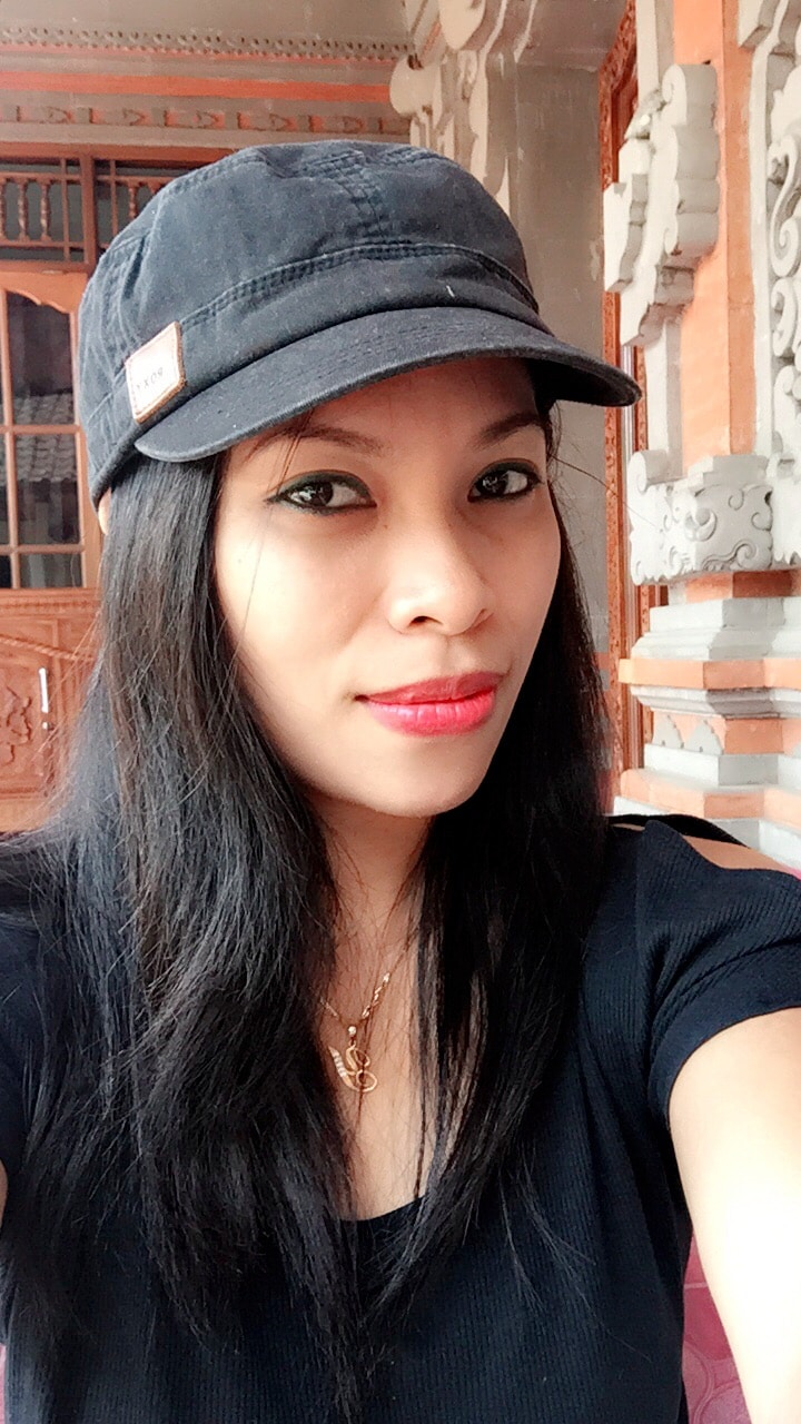 I am a Balinese girl and love meeting people from