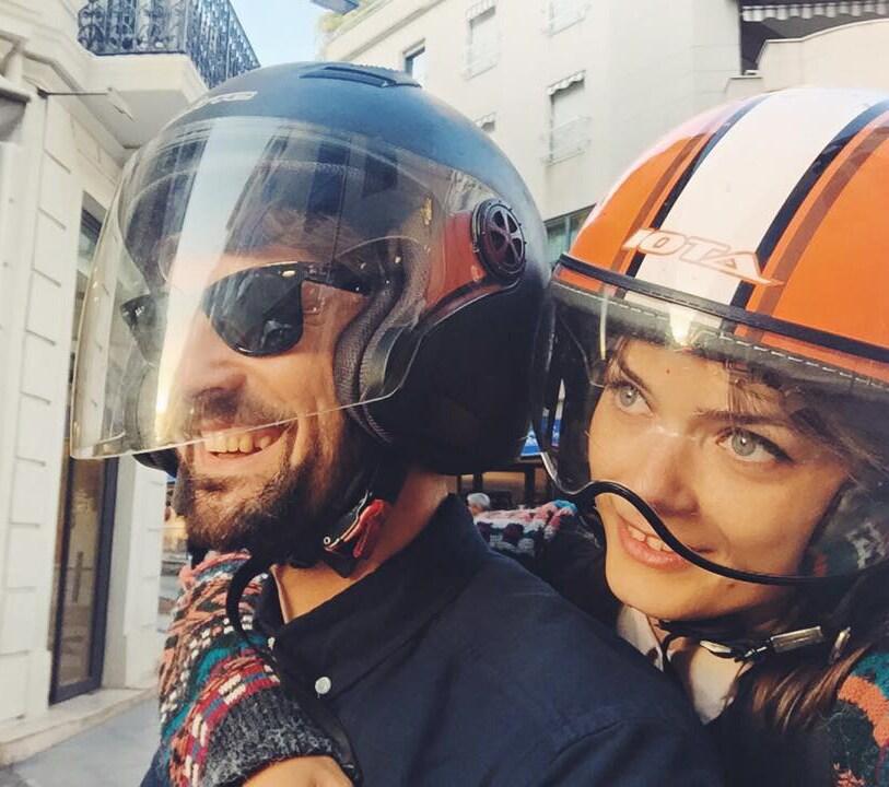 Hi! I'm Ana, and together with my boyfriend Alex,