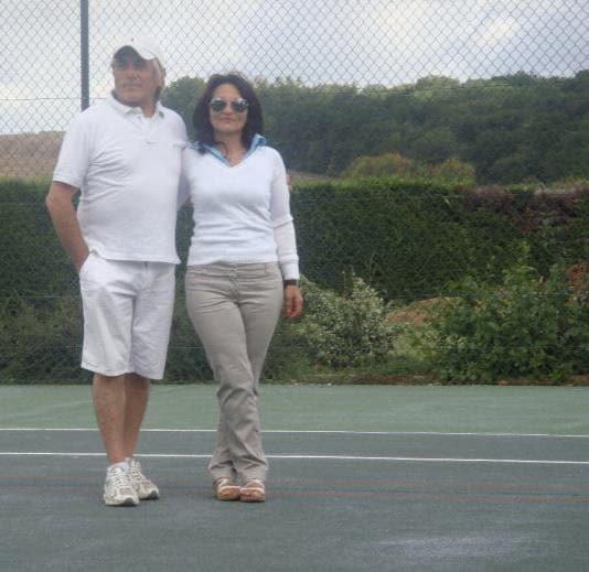 http://www.facebook.com/casalevalleverde