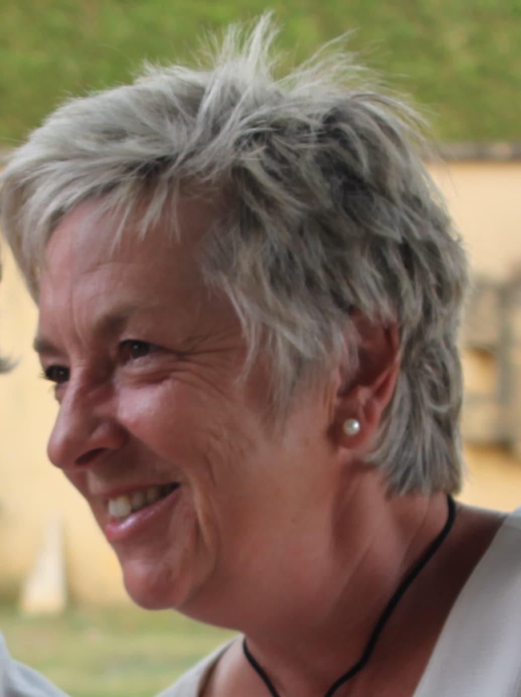 Susan From Granges-d'Ans, France