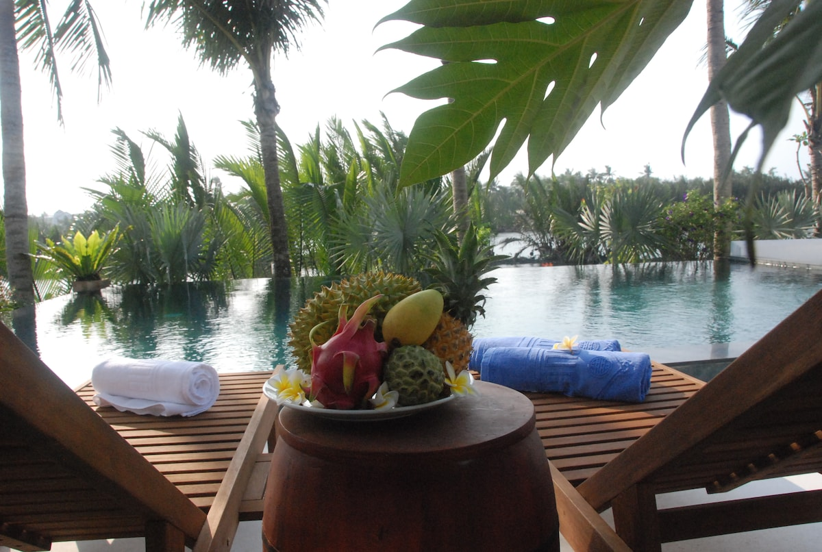 MUCA Hoi An Boutique Resort & Spa From tp. Hội An, Vietnam