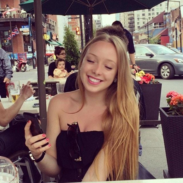 Fanie from Montréal