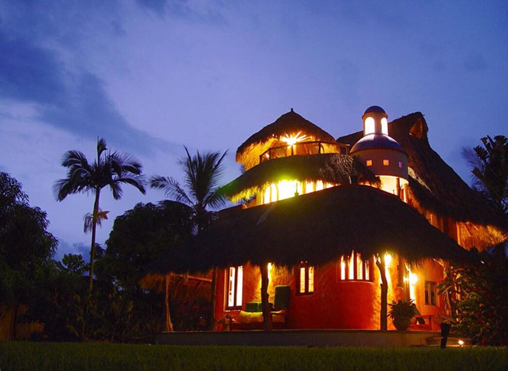 Villa from Cruz de Huanacaxtle