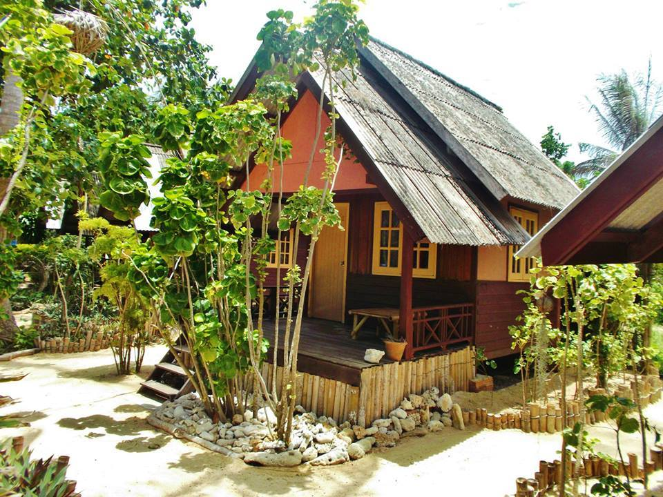 Haad Chao Phao home stay consists of Wooden style