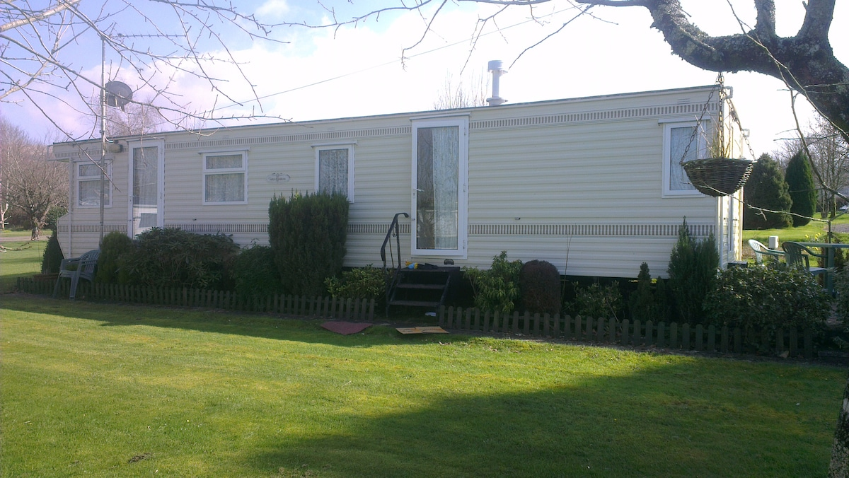 6 berth privately owned static caravan for hire at