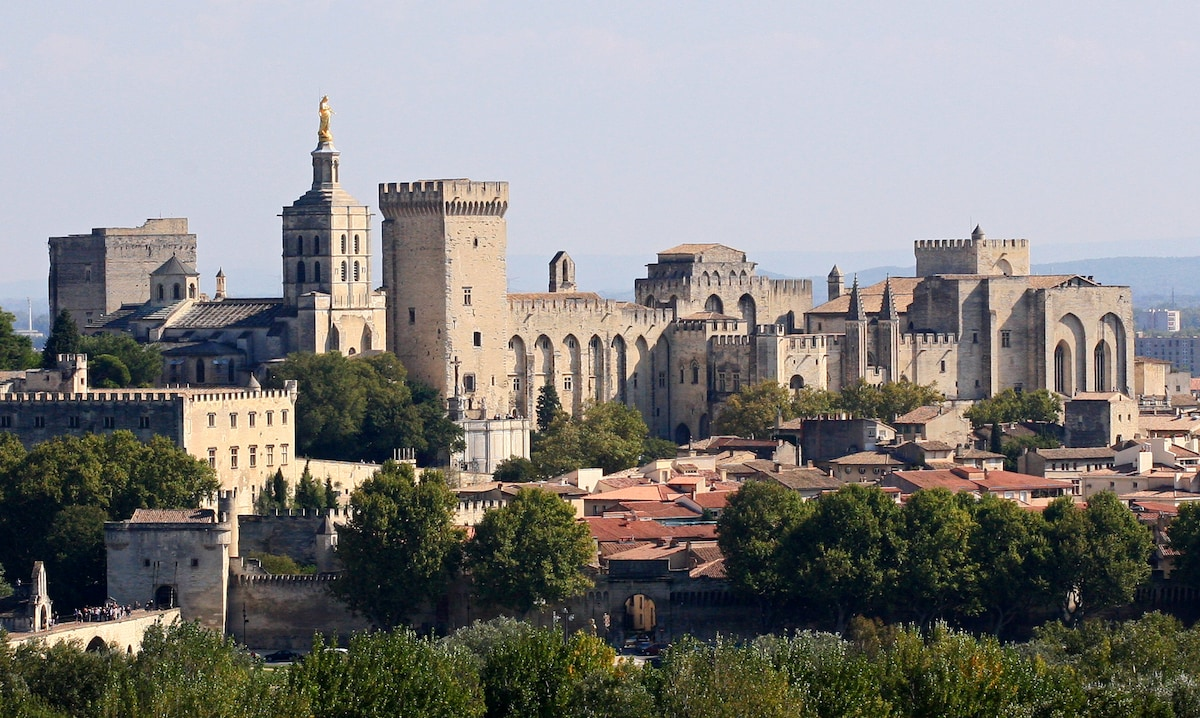 A.C from Avignon