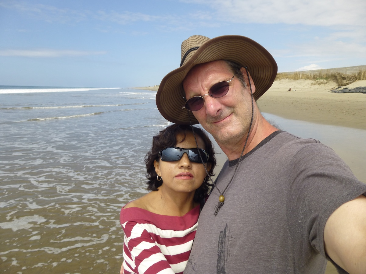 I'm an American expat who after years of traveling