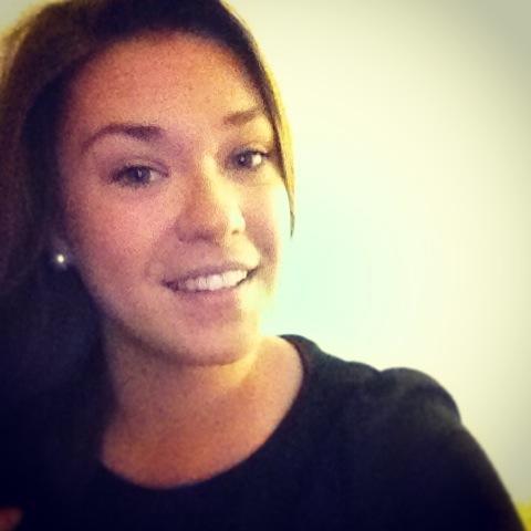 Stéphanie From Canada
