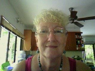 I'm a semi-retired Australian expat living in Mala