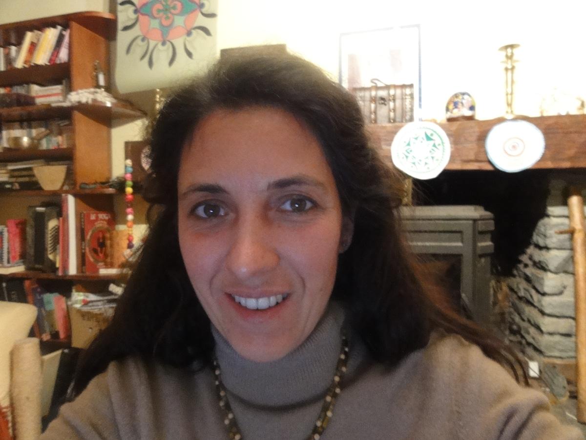 femme 35 ans, chiropracteur et prof de théâtre; j