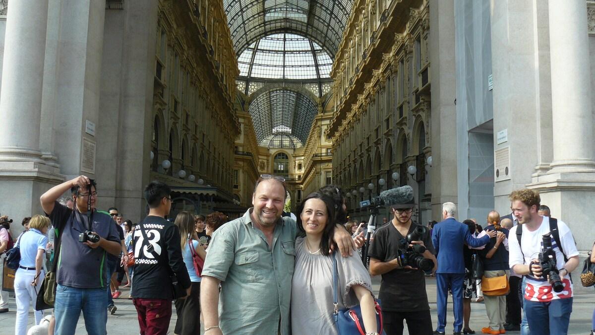 Ciao. viviamo in Italia e siamo una coppia Italo