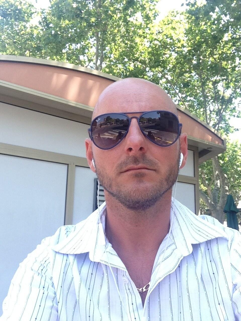 Jason from Balaruc-les-Bains