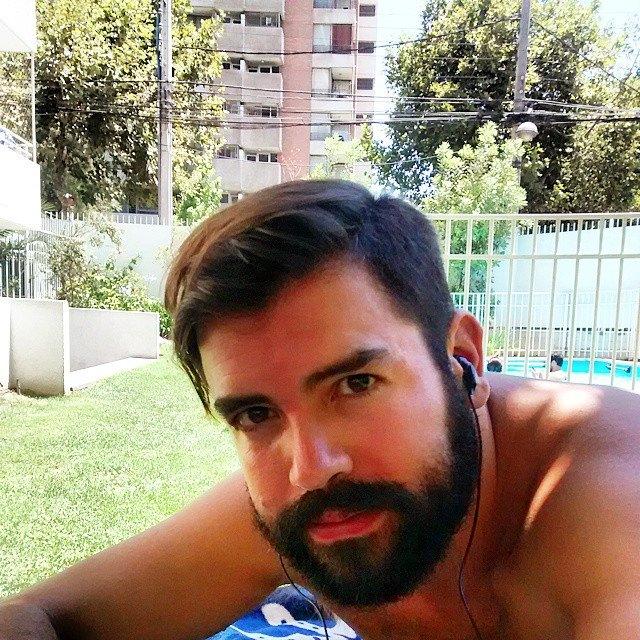 Hola! Soy Lautaro, hablo inglés. Tengo esta gran c