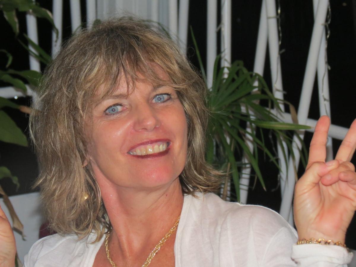 Hélène from