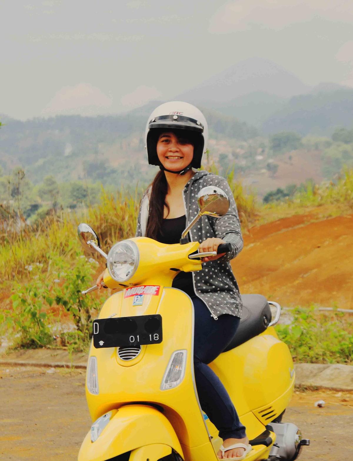 Aisah from Bandung