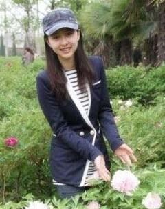 喜愛的旅遊地點:北京 書籍:杂志 電影:爱情 電視節目:综艺 音樂:抒情   食物:麻辣火锅。