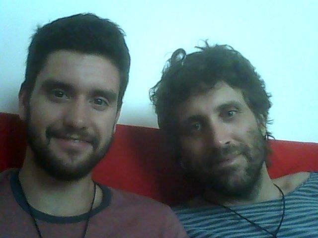 Hola, somos Vicenç y Martí, una pareja de españole