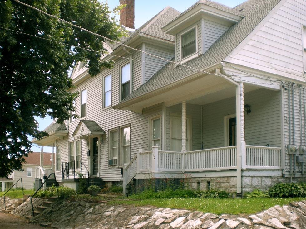 Alton (IL) United States  city photos gallery : 780 sq ft St. Louis area Alton, IL in Alton