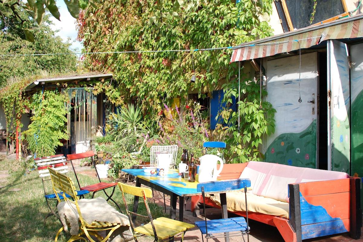 Magisches Gartenhaus in Stadtnähe