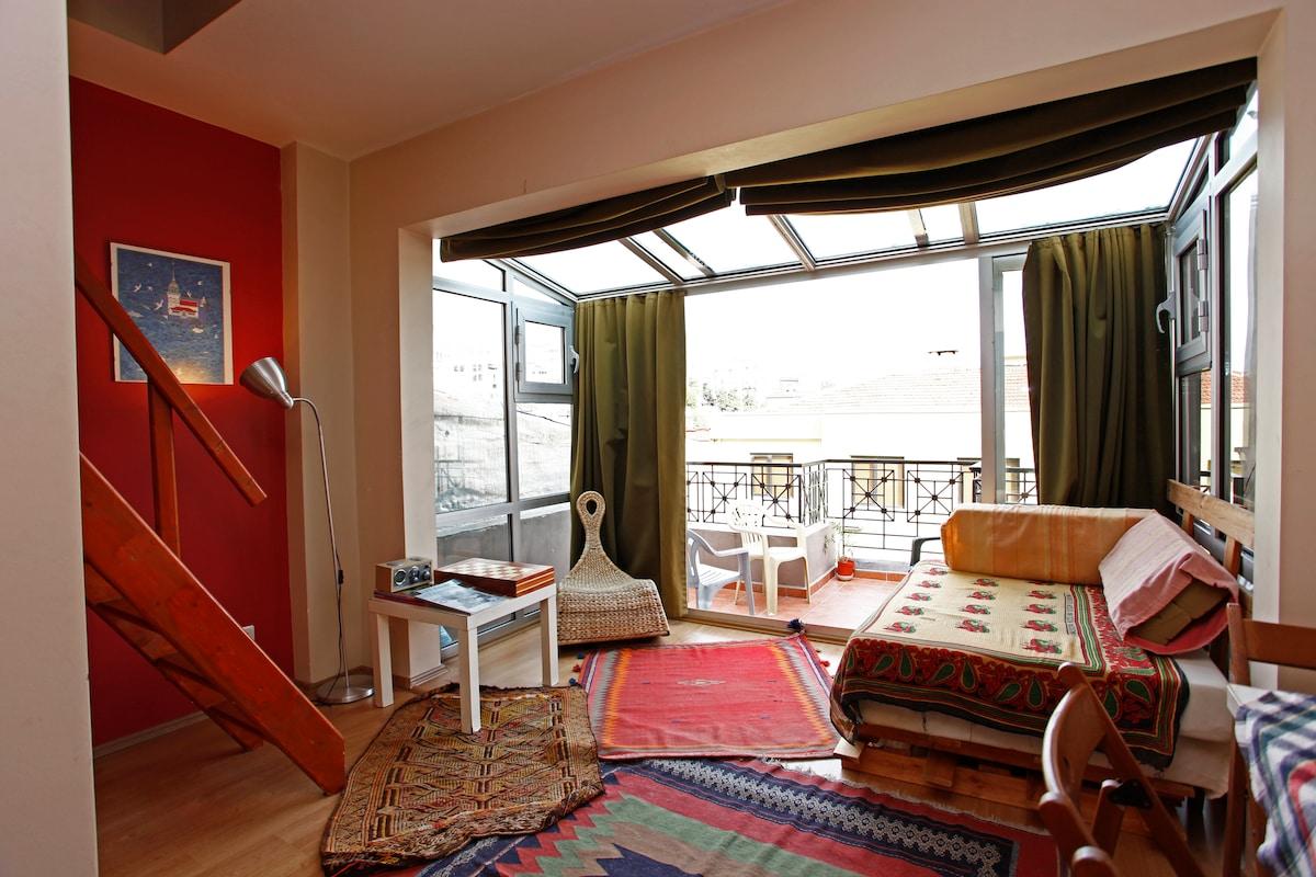 living room (lower terrace)