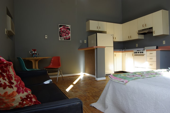 Private furnished St Louis apartment