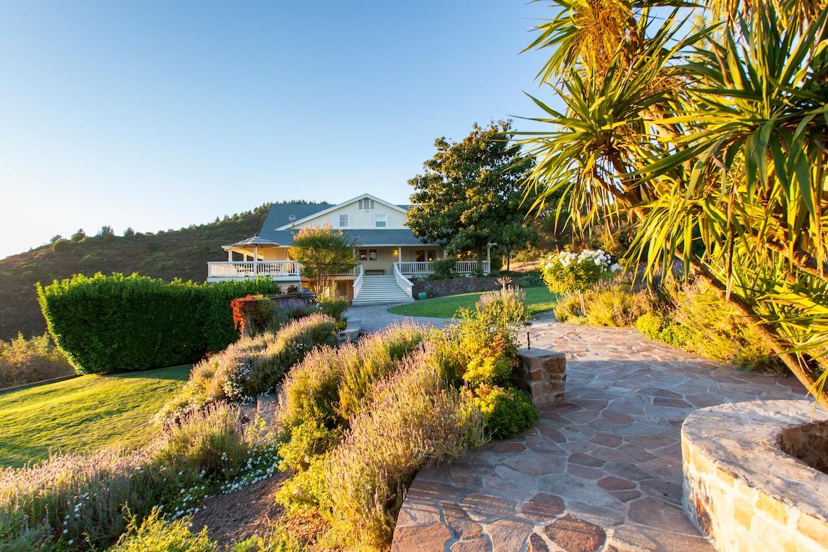 Wine Country Villa, Pool, Views!